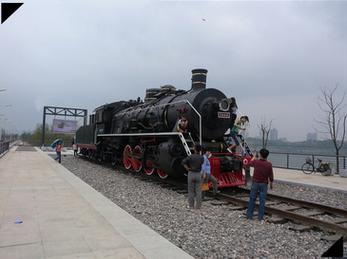 二手蒸汽火车头上游及建设及前进报废车头翻新改造景观用途